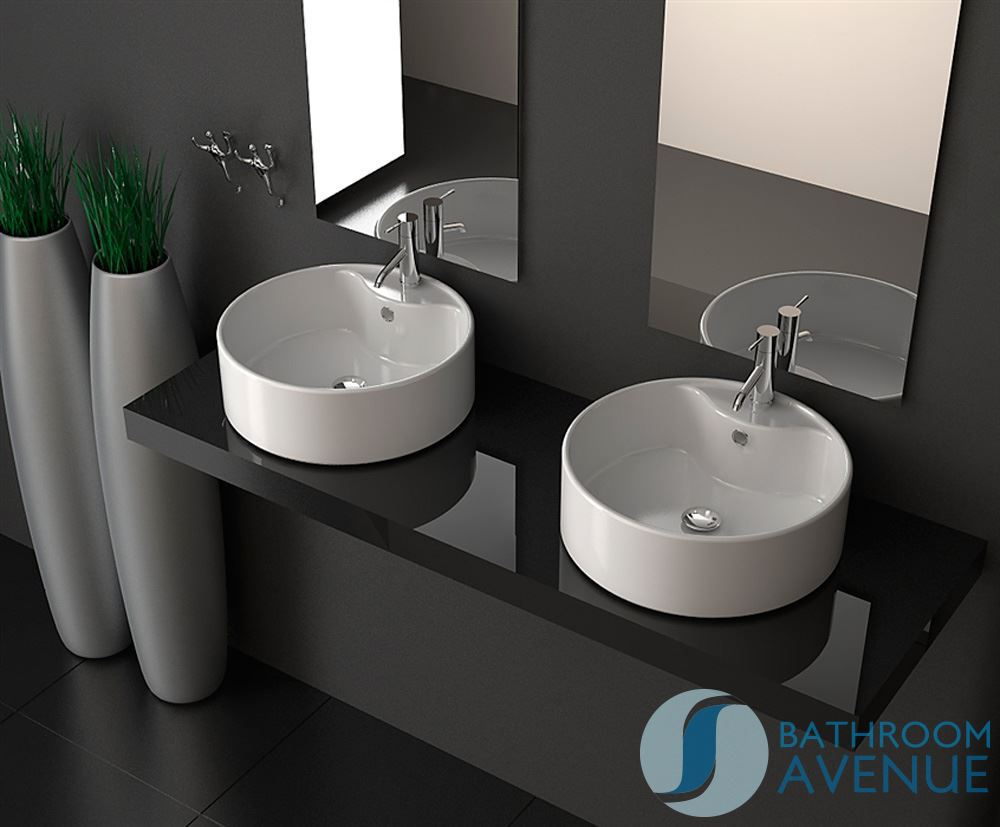Classic round counter top wash basin loretta classic for Bathroom wash basin counter designs